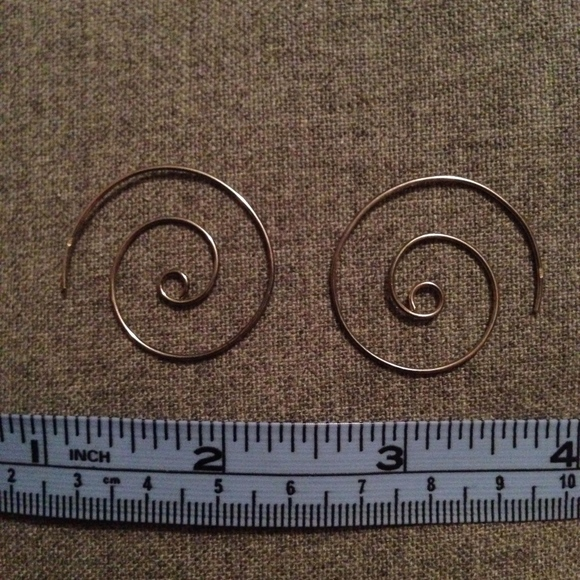 Jewelry - Spiral Metal Earrings